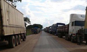 Camions à la frontière Tchad-Cameroun