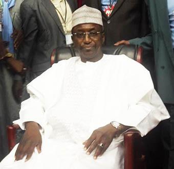 L'alternance politique, un mythe au Tchad: Lol Mahamat Choua passe la main à son beau-fils Mahamat Allahou Taher après 24 ans à la tête du RDP !