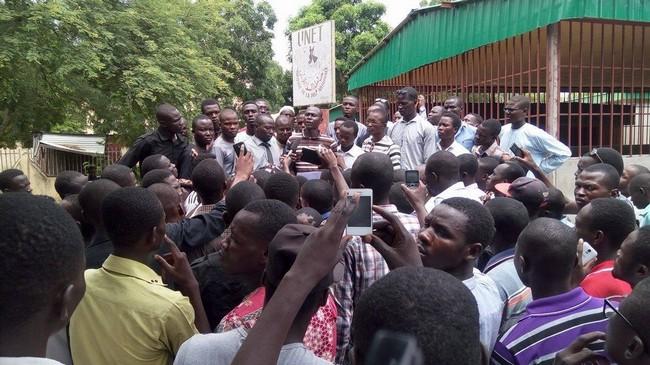 Tchad: une marche des étudiants de l'université de N'Djaména pour protester contre l'élasticité de l'année académique 2015-2016, est interdite par la dictature