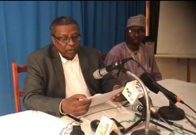 Tchad: Abderaman Koulamallah fait des pieds et des mains pour avoir accès à la mangeoire, mais l'homme le plus rancunier du monde l'ignore totalement