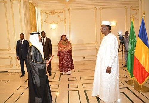 Au Tchad, le Président Idriss Déby renvoie l'ambassadeur du Qatar et installe une ambassade des Émirats Arabes Unis