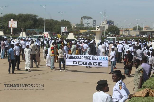 Une manifestation anti-américaine au Tchad contre l'accusation de corruption du Président Idriss Déby aux États-Unis dans l'affaire Gadio