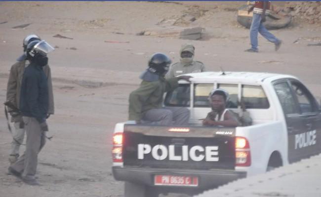 Quand la lutte contre le terrorisme donne à Idriss Déby le droit à la dictature au Tchad: 17 étudiants condamnés à 4 mois de prison ferme et 74 autres en attente de jugement pour avoir manifesté contre la fermeture de leurs lycées et universités
