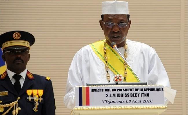 Fin du bras de fer entre le gouvernement et les syndicats au Tchad: Idriss Déby pourra désormais faire tranquillement sa réforme constitutionnelle pour avoir un septennat après 28 ans de pouvoir