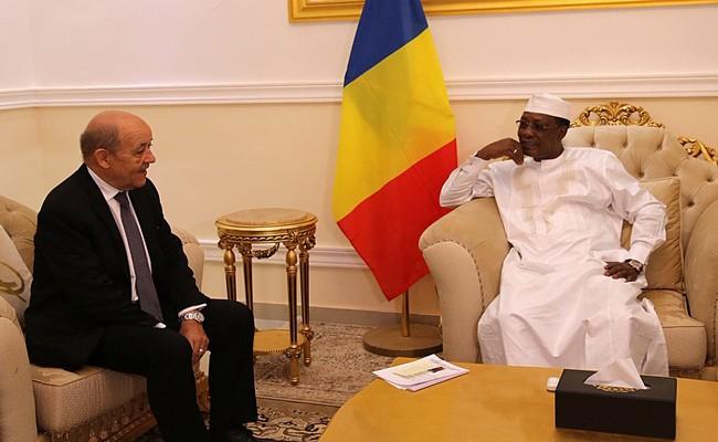 Le Chef de la diplomatie française, Jean-Yves Le Drian entame une mini-tournée africaine qui le conduira en RDC et au Tchad