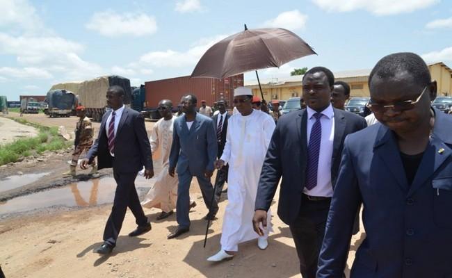 Tchad: la IVe république sera-t-elle gouvernée par ordonnances et par «descentes inopinées» dans les services publics ?