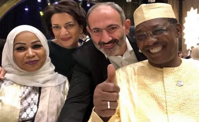 Tchad: l'autosatisfaction de Déby après son tête à tête avec Macron