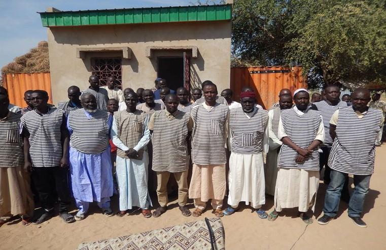 Au Tchad, le régime libère 58 prisonniers politiques, mais garde en détention l'ancien chef rebelle Baba Laddé
