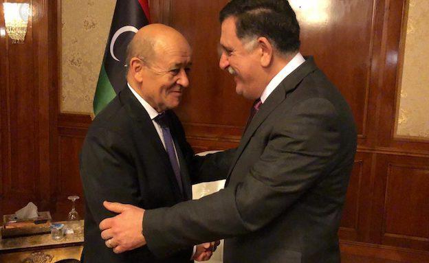 Libye: à Tripoli, Le Drian salue les «progrès significatifs» accomplis par les troupes de Haftar dans le sud du pays