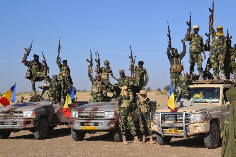 Le dictateur Idriss Déby va-t-il envoyer la force mixte pour exfiltrer son compère Oumar el-Béchir de son Palais encerclé par des manifestants ?