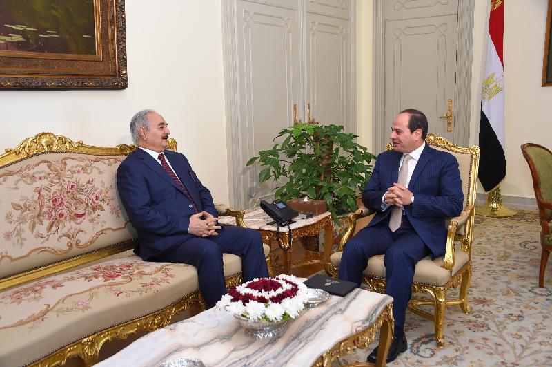 Libye: après avoir enregistré d'énormes pertes dans la bataille de Tripoli, Khalifa Haftar se rend au Caire pour voir son parrain régional Al-Sissi