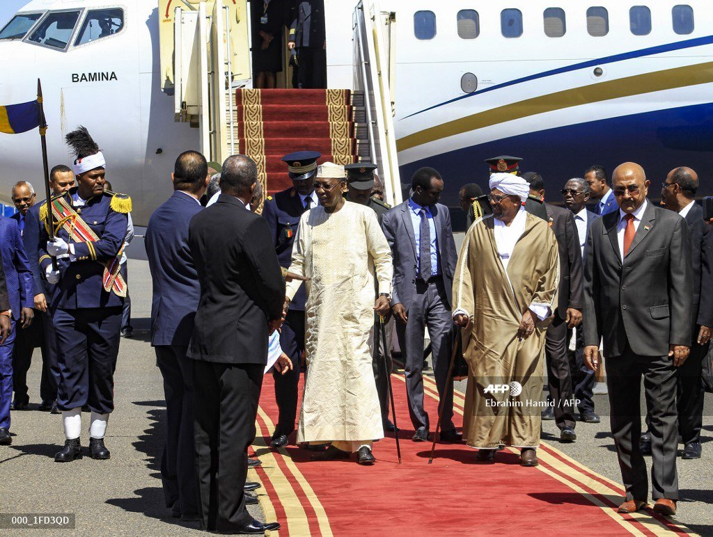 Tchad: le dictateur Idriss Déby à Khartoum pour tenter de calmer son compère soudanais acculé et craignant le syndrome algérien