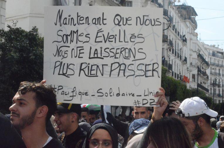 Après la démission d'Abdelaziz Bouteflika, les algériens réclament le départ du «système»