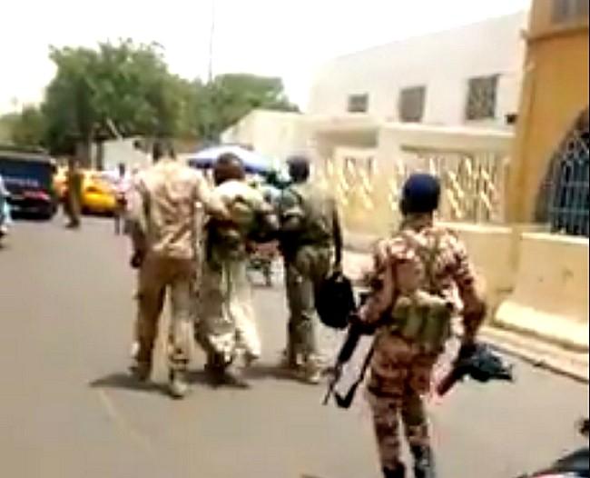 Craignant un scénario à la soudanaise, le régime tchadien tente de faire passer un déséquilibré pour un terroriste de Boko Haram