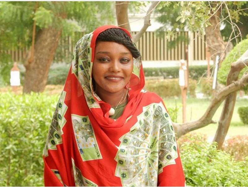 Une jeune romancière persécutée à la fois par le régime du Président Idriss Déby et sa propre famille pour ses opinions: une première au Tchad