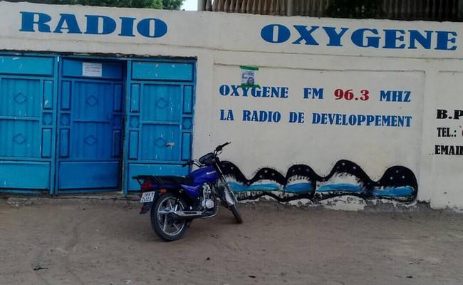 Inquiétudes sur la liberté de la presse au Tchad: suspension de la Radio Oxygène après une lourde condamnation du journaliste Inoua Martin Doulguet