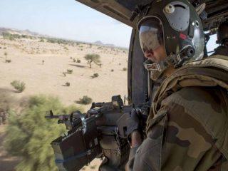 Mali: 13 militaires français, dont 6 officiers et 6 sous-officiers, tués dans une collusion entre deux hélicoptères