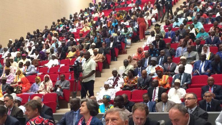 Volte-face des acteurs politiques et de la société civile à propos du dialogue national au Tchad: nouvelle tactique, pression internationale ou deal avec la junte ?
