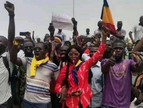 Un policier mort et des dizaines de blessés lors d'une manifestation contre la junte au pouvoir au Tchad